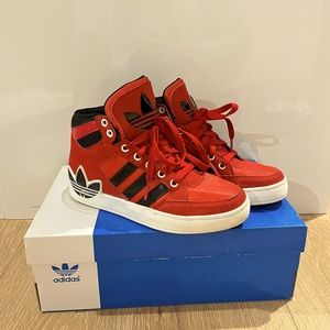 Adidas superstar 80s City Series Black and red high-top sneaker Size:US4